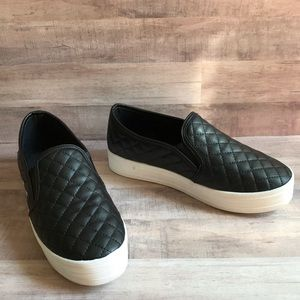 Breckelle's Quilted Black Platform Slip On Loafers